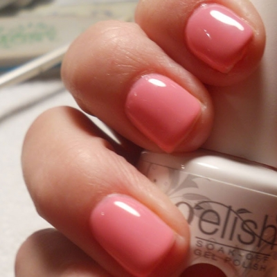 gelish-bottle-pink